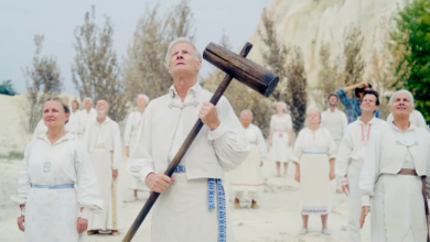 Photo of Midsommar Review: Terror in Broad Daylight