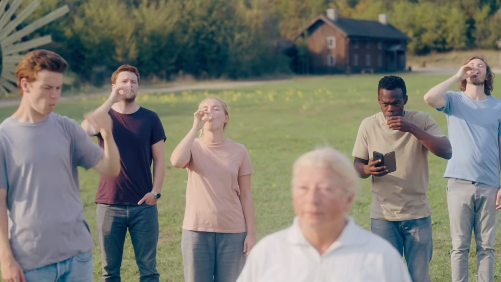 Midsommar Review: Terror in Broad Daylight
