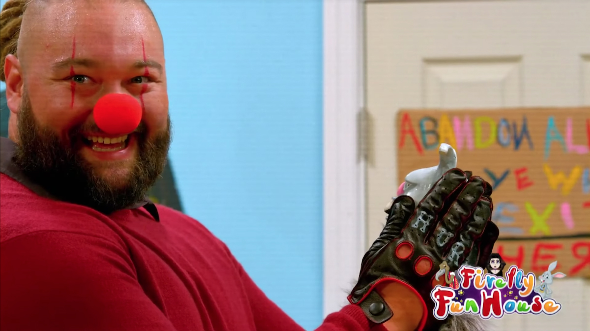 Spooky clown Bray Wyatt continued to take his Firefly Funhouse vignettes to a genuinely creepy place.