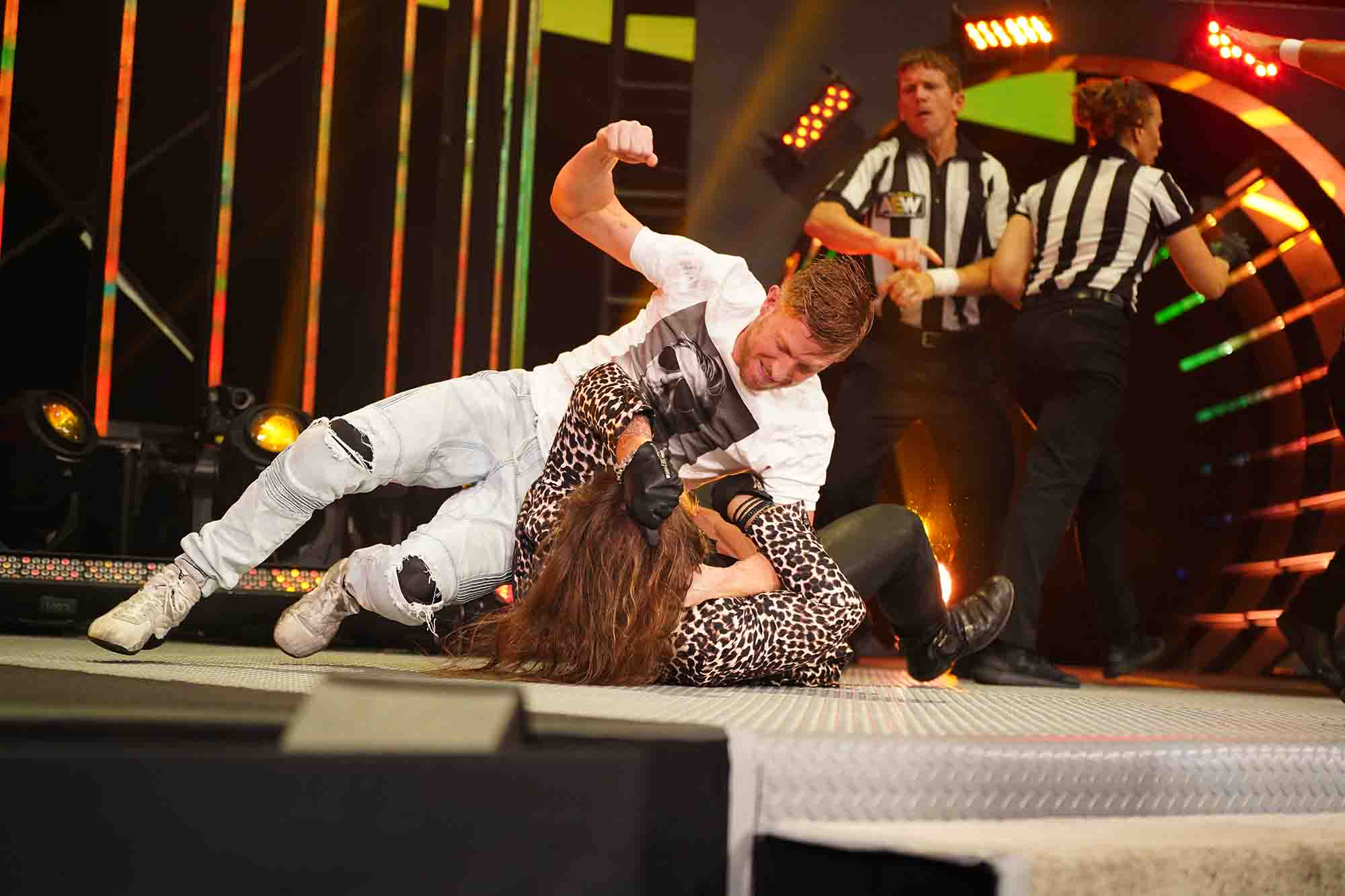 Photo of Caught COVID but at Least I Saw a Contract Signing: AEW Dynamite Recap (8/27/2020)